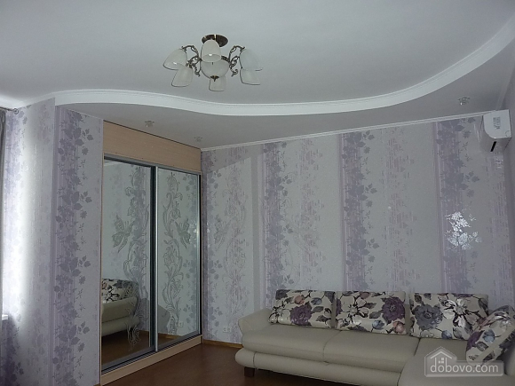Apartment in the center of Odessa, One Bedroom (28171), 001