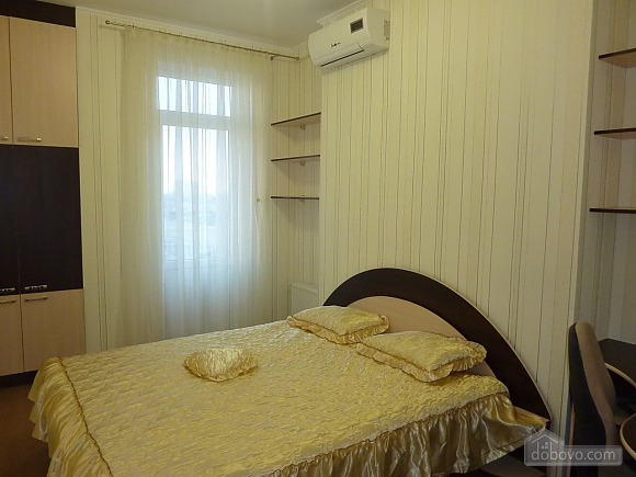 Apartment in the center of Odessa, One Bedroom (28171), 003