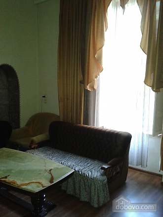 Дерибасовская угол Преображенской напротив Горсада, 3х-комнатная (62770), 002
