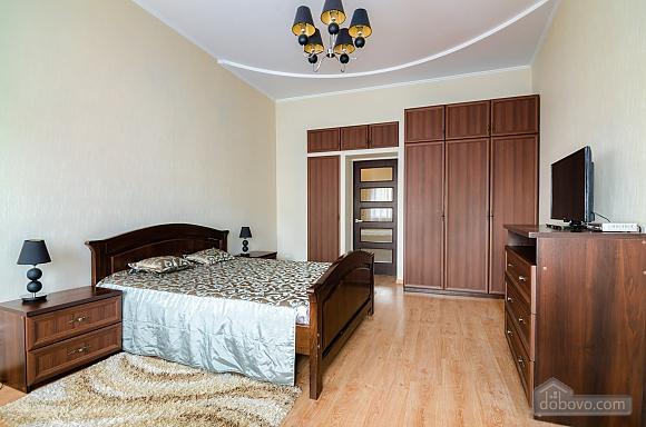 Роскошная квартира в центре Львова, 2х-комнатная (72497), 004