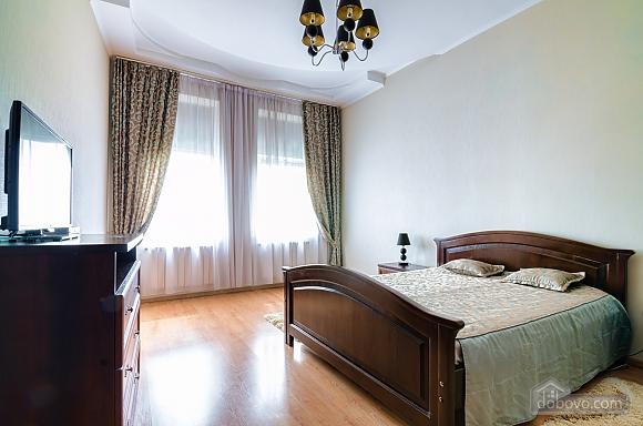 Роскошная квартира в центре Львова, 2х-комнатная (72497), 001