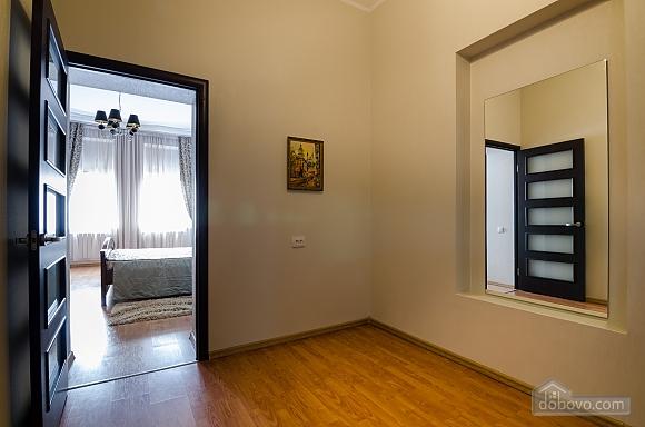 Роскошная квартира в центре Львова, 2х-комнатная (72497), 011