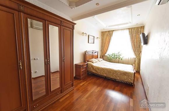 Apartment in Lviv, Tre Camere (29302), 001