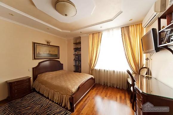 Apartment in Lviv, Tre Camere (29302), 002