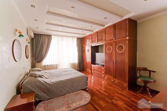 Apartment in Lviv, Tre Camere (29302), 003