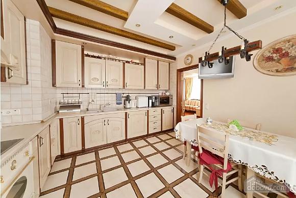 Apartment in Lviv, Tre Camere (29302), 010