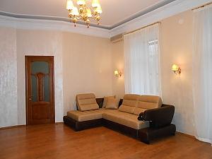 Квартира біля Майданe Незалежності, 3-кімнатна, 002