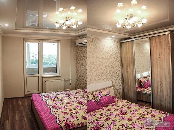 Трехкомнатная квартира люкс в центре, 3х-комнатная (42846), 001