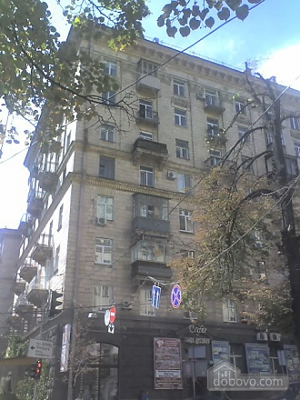 Квартира в центре города, 2х-комнатная (67204), 011