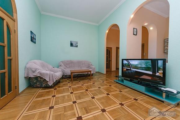 Квартира в центрі, 2-кімнатна (20384), 002
