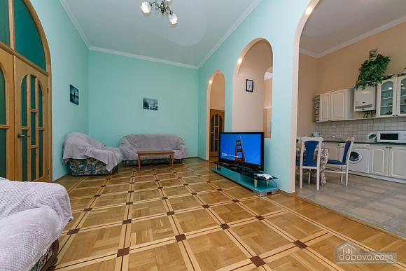 Квартира в центрі, 2-кімнатна (20384), 003