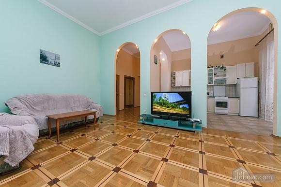 Квартира в центрі, 2-кімнатна (20384), 004
