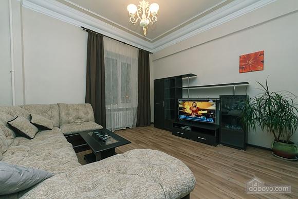 Квартира в центрі, 2-кімнатна (31990), 001
