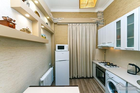 Квартира в центрі, 2-кімнатна (31990), 008