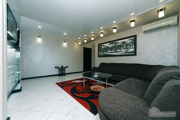 Apartment near the stadium, Two Bedroom (99358), 001