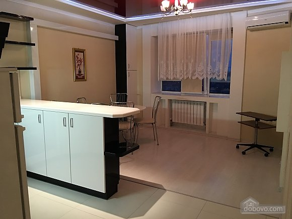 Apartment in Illichevsk, One Bedroom (32348), 005