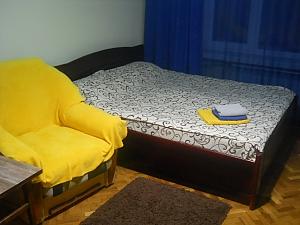 Тихий центр Київ, 2-кімнатна, 001