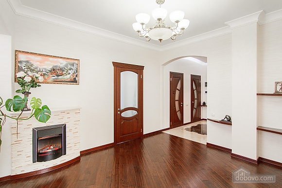 Quite cozy center of Odessa, Two Bedroom (74657), 007