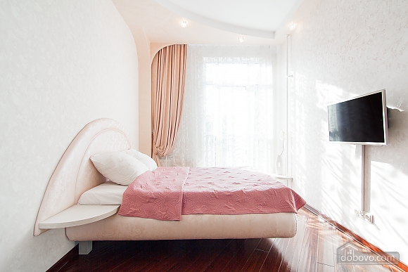 Quite cozy center of Odessa, Two Bedroom (74657), 018