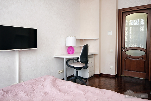 Quite cozy center of Odessa, Two Bedroom (74657), 066