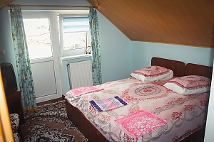 House in Morshyn, Deux chambres, 001
