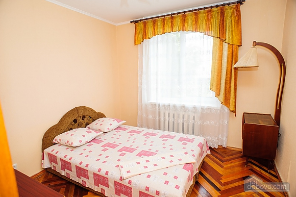 District of a central market, Two Bedroom (39515), 006