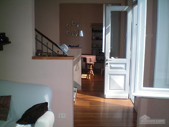 Частный дом в парке, 3х-комнатная (57038), 006
