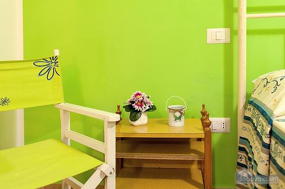 Вилла с бассейном и просторным садом, 2х-комнатная (85365), 007
