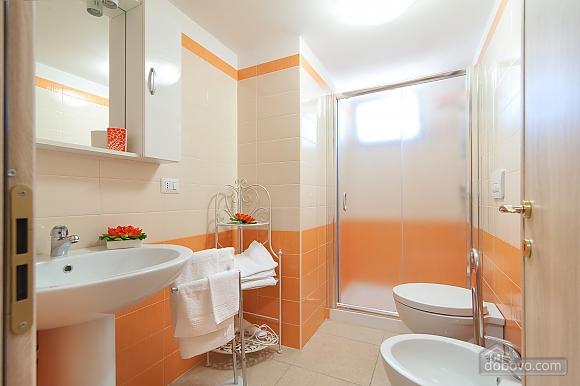 Вилла с бассейном и просторным садом, 2х-комнатная (85365), 020