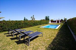 Delightful villa on the Costa Dorada just 100 meters from the beach, Six (+) Bedroom, 003