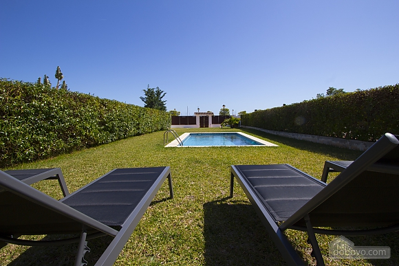 Delightful villa on the Costa Dorada just 100 meters from the beach, Sieben+ Zimmern (99725), 004