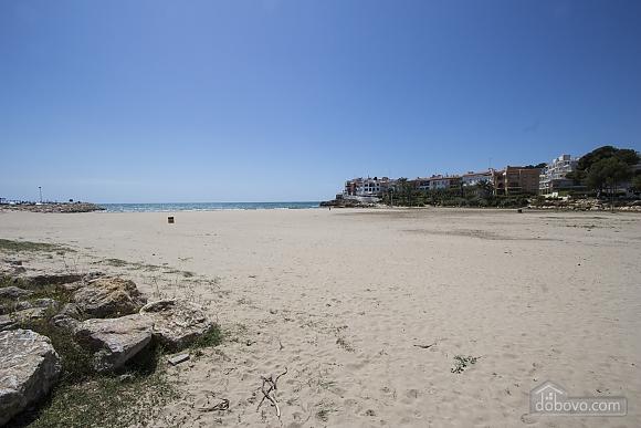 Чудова вілла на узбережжі Коста Дорада, всього в 100 метрах від пляжу, 7+ кімнат (99725), 013