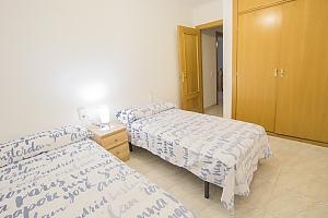 Delightful villa on the Costa Dorada just 100 meters from the beach, Six (+) Bedroom, 041
