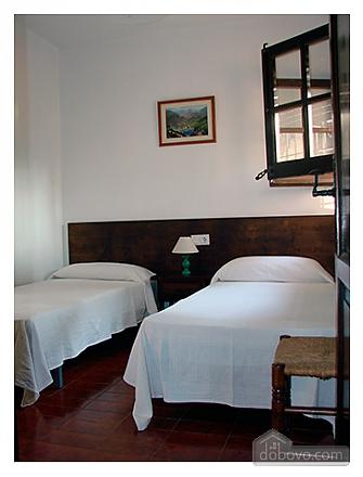 Teresa Santa Cristina d'Aro, Cinq chambres (73128), 018