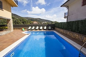 Villa Sant Iscle in Costa Maresme only 15 minutes to the beach, Cinq chambres, 001