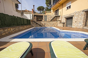 Villa Sant Iscle in Costa Maresme only 15 minutes to the beach, Cinq chambres, 004