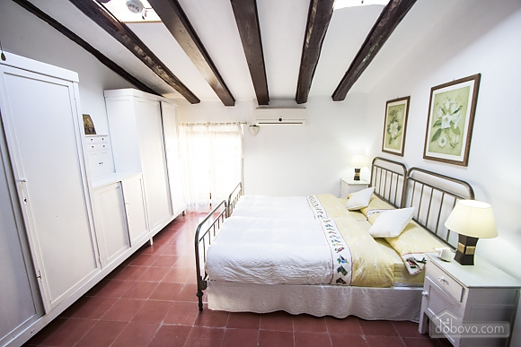 Luxurious Mansion Banyeres with 15 bedrooms for up to 28 guests, Six (+) chambres (84590), 035