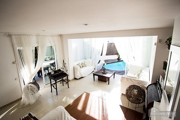 Восхитительная вилла в Ситжес в 200 метрах от пляжей Коста-Дорада, 6ти-комнатная (82509), 011