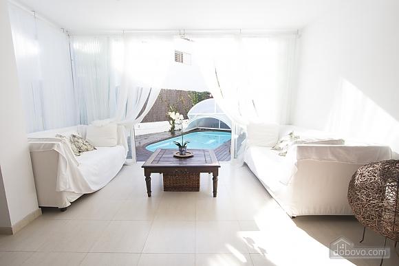 Восхитительная вилла в Ситжес в 200 метрах от пляжей Коста-Дорада, 6ти-комнатная (82509), 013