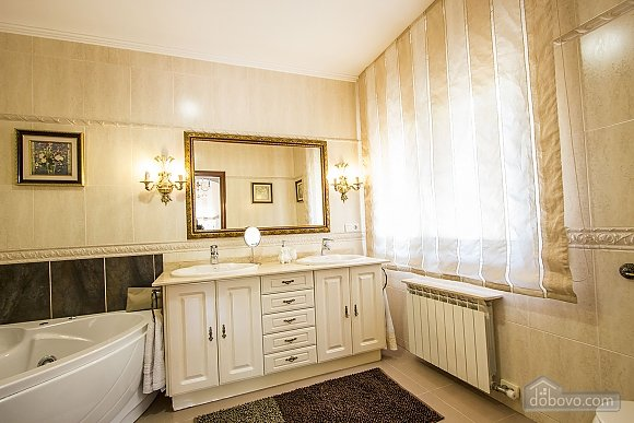 Isabel Castellarnau, Cinq chambres (21792), 043