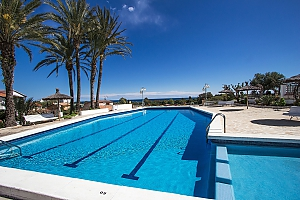 Pleasant villa for 6 people in Torrembarra just 1 km from Costa Dorada beaches, Three Bedroom, 002
