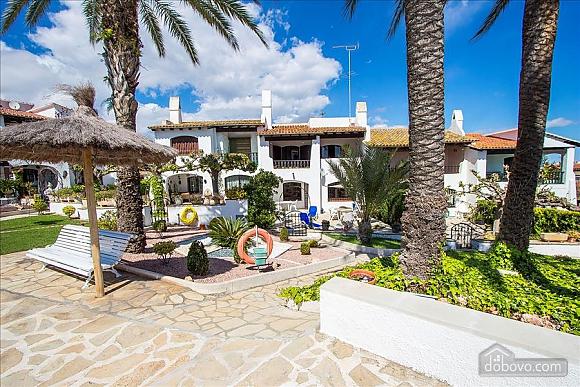 Pleasant villa for 6 people in Torrembarra just 1 km from Costa Dorada beaches, Vierzimmerwohnung (44710), 010