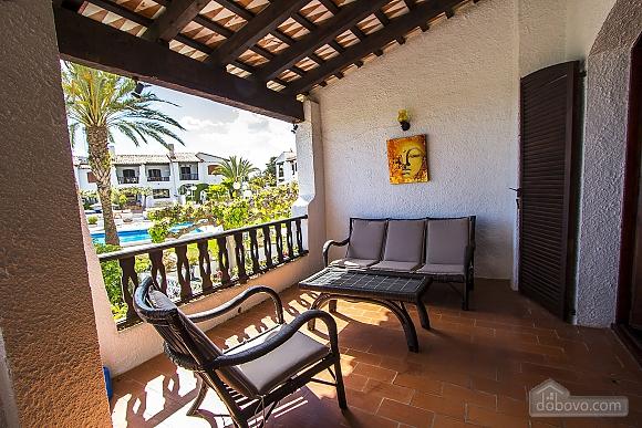 Pleasant villa for 6 people in Torrembarra just 1 km from Costa Dorada beaches, Vierzimmerwohnung (44710), 020