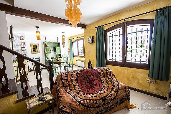 Pleasant villa for 6 people in Torrembarra just 1 km from Costa Dorada beaches, Vierzimmerwohnung (44710), 028