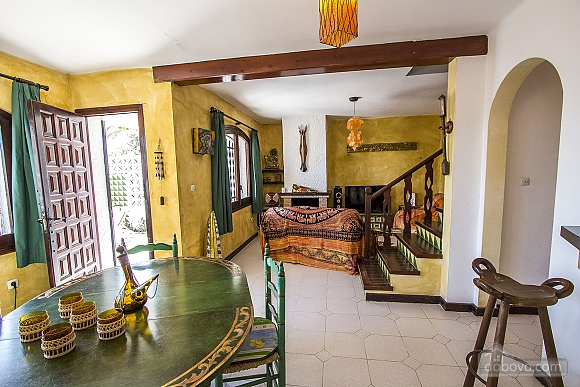 Pleasant villa for 6 people in Torrembarra just 1 km from Costa Dorada beaches, Vierzimmerwohnung (44710), 031