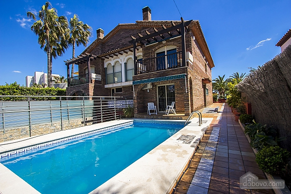 Alluring villa in Cambrils just steps away from the beaches of Costa Dorada, Vierzimmerwohnung (66386), 001