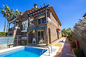 Alluring villa in Cambrils just steps away from the beaches of Costa Dorada, Three Bedroom, 002