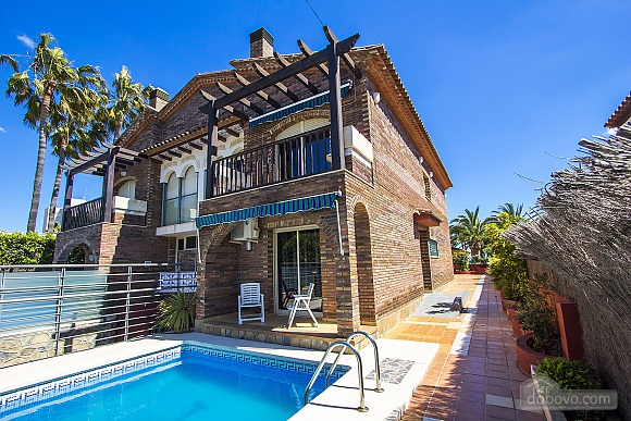 Alluring villa in Cambrils just steps away from the beaches of Costa Dorada, Vierzimmerwohnung (66386), 002