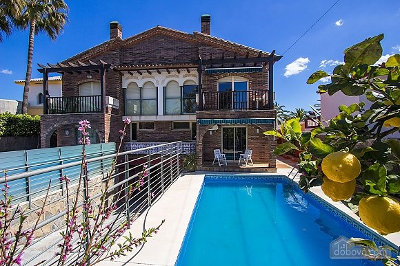Alluring villa in Cambrils just steps away from the beaches of Costa Dorada, Vierzimmerwohnung (66386), 003
