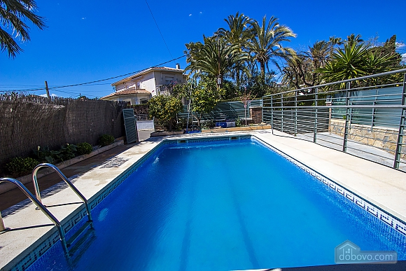 Alluring villa in Cambrils just steps away from the beaches of Costa Dorada, Vierzimmerwohnung (66386), 005